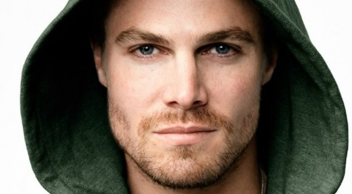 Stephen Amell ringrazia via Twitter i fan italiani