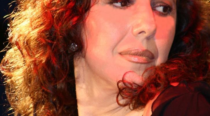 Consiglia Licciardi: la Sirena Partenopea che ammalia col suo seducente canto