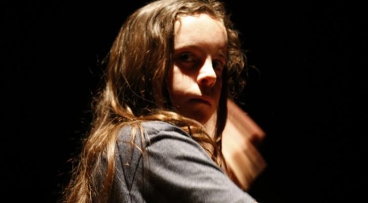 Lolita, i Babilonia Teatri esplorano lutilizzo mediatico del corpo della donna