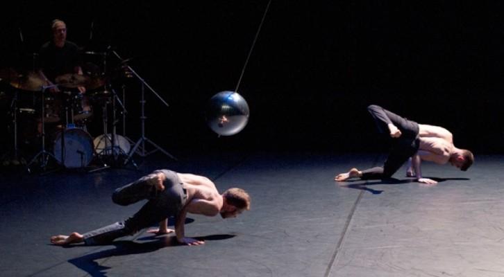 """""""Précipitations"""", al Napoli Teatro Festival Italia la sensualità della danza di Paco Dècina"""