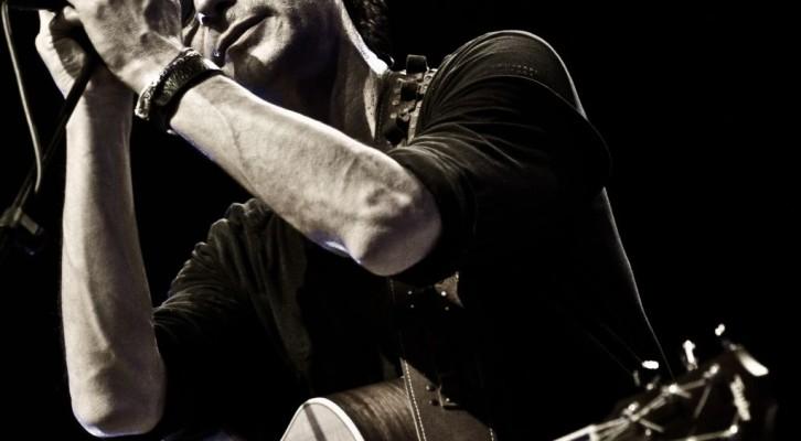 Alzati anticipa il nuovo album di Massimo Priviero
