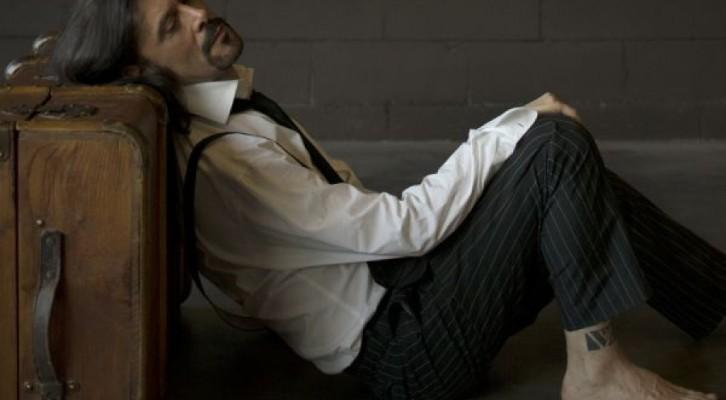 """Giovanni Nuti rende omaggio a Georges Moustaki con """"Lo Straniero"""""""