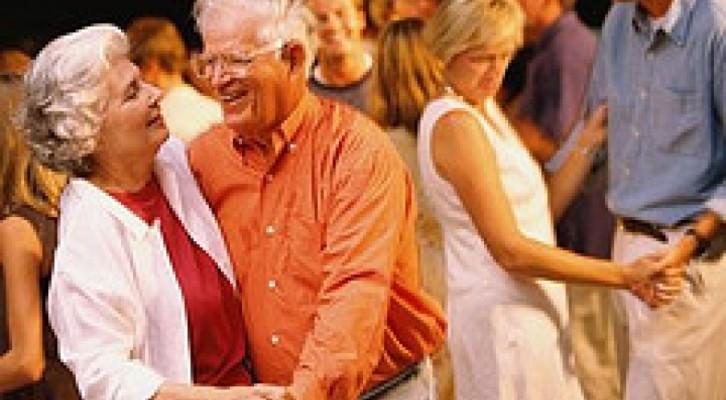 """Ultimo appuntamento con """"Balla con i nonni"""", progetto di danza per anziani"""