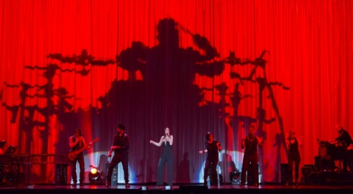 Laura Pausini, parte domenica 8 dicembre da Roma The Greatest Hits World Tour