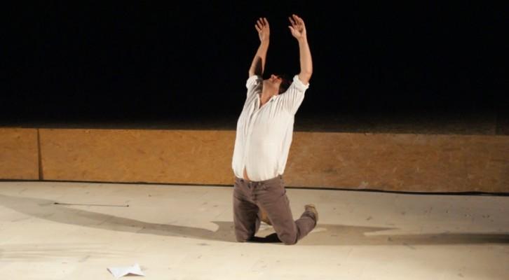 Pippo Delbono racconta se stesso e si mette a nudo nello spettacolo Racconti di Giugno