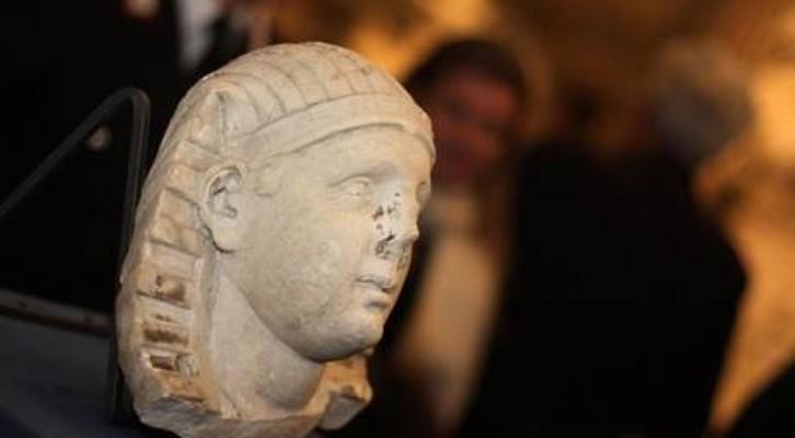 Ritrovata testa di sfinge de 'Il Corpo di Napoli'