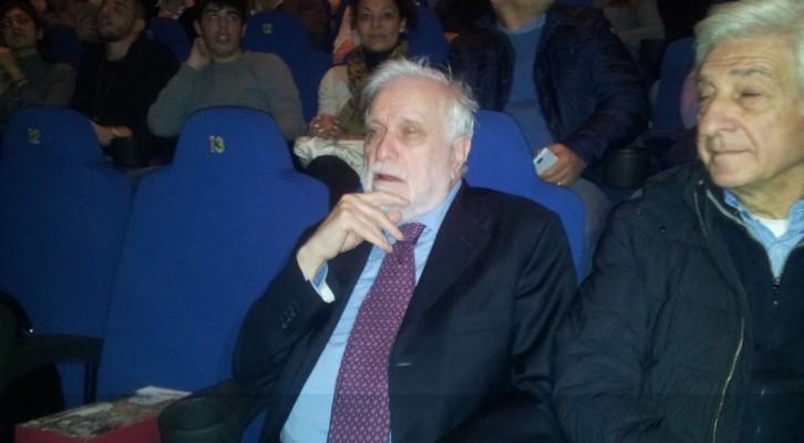 Luciano De Crescenzo si emoziona assieme alla sua Napoli