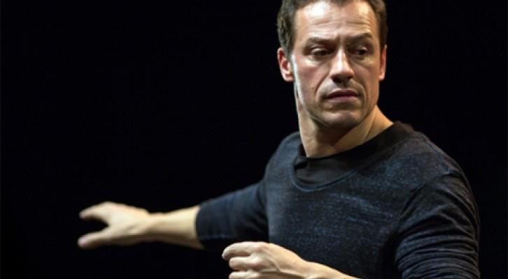 Giocando con Orlando, spettacolo di Baliani scritto, diretto e interpretato con Stefano Accorsi