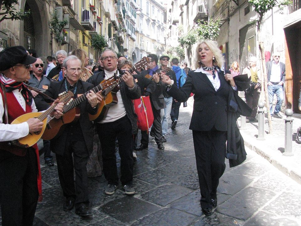 Ilva Primavera presenta: Canto Napoli Poesie e Posteggia