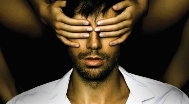 """Enrique Iglesias, il nuovo album  """"Sex And Love"""""""
