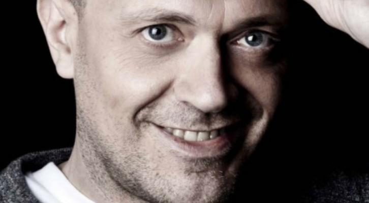 """Max Pezzali: il nuovo sito e il video de """"Il Presidente di tutto il mondo"""""""