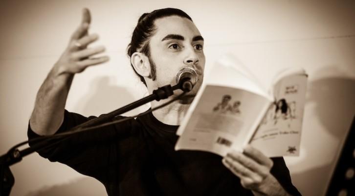 Le poesie di Charles Bukowski lette dal cantautore e scrittore Jacopo Ratini