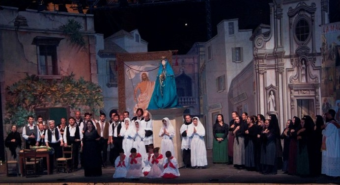 Europa Musica mette in scena una bellissima produzione di  Cavalleria Rusticana di Pietro Mascagni