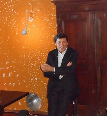 Autoscatto d'Italia lungo 70 anni: arriva la collection di Gianni Morandi