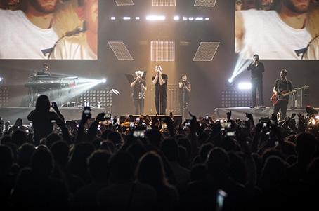 Cesare Cremonini: un giorno migliore dopo una tappa del Logico Tour 2014