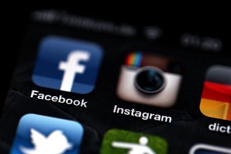 Facebook e Instagram blocco per circa un'ora