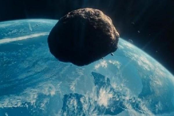 L'asteroide incontra la Terra