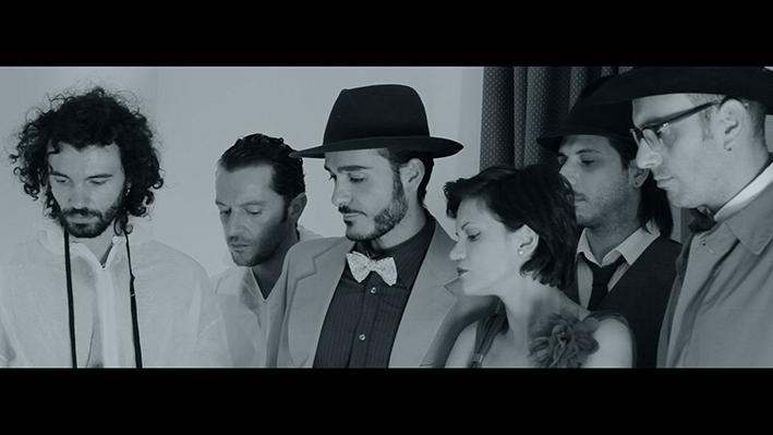 L'omicidio scabroso di Mrs Rose dei Pennelli di Vermeer nel loro nuovo videoclip