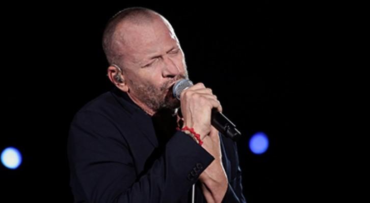 Biagio Antonacci: continua il successo dell'Amore Comporta Tour