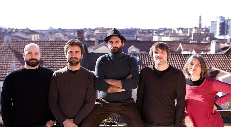 Luciano De Blasi e I Sui Generis aprono le porte a Il Palazzo, il nuovo lavoro discografico