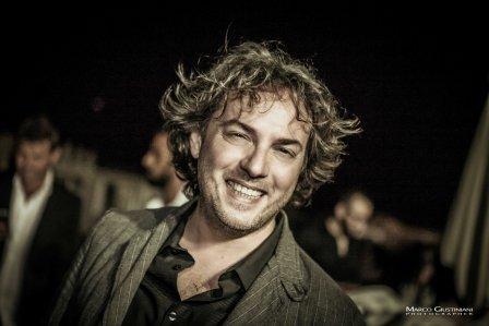 Massimo Di Cataldo festeggia i suoi 20 anni di carriera e annuncia l'uscita si una raccolta di successi