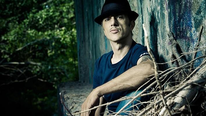 Neffa: il cantautore diventa attore con Valentina Lodovini