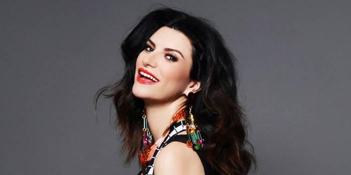 Simili, grandi firme per Laura Pausini
