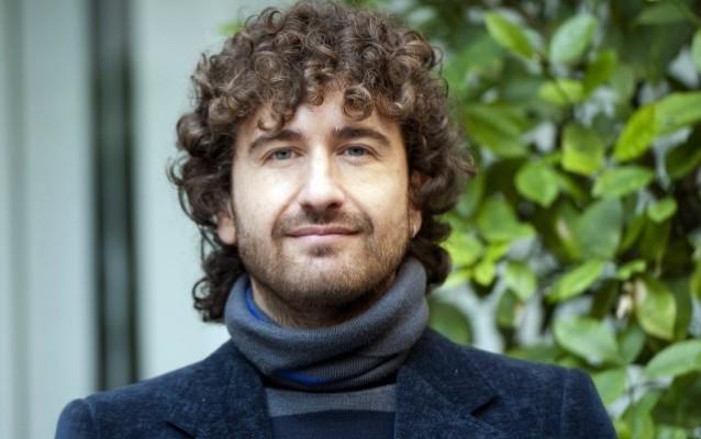 Alessandro Siani, l'attore più amato dal pubblico italiano