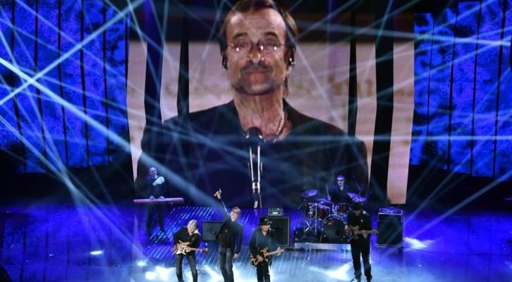 Sanremo 2016: terza serata con Battisti, Carosone  e Dalla