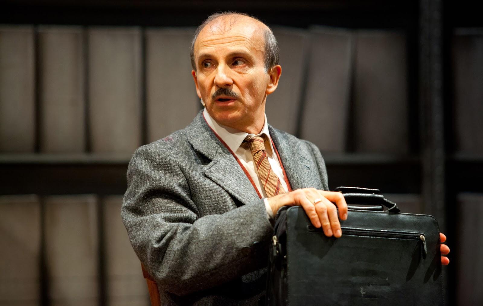 """""""Il pomo della discordia"""" di Carlo Buccirosso in anteprima nazionale al Teatro Lendi"""