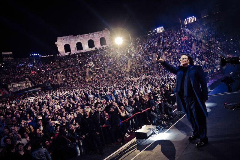 """Renato Zero, al via da Bologna """"Alt in Tour"""""""