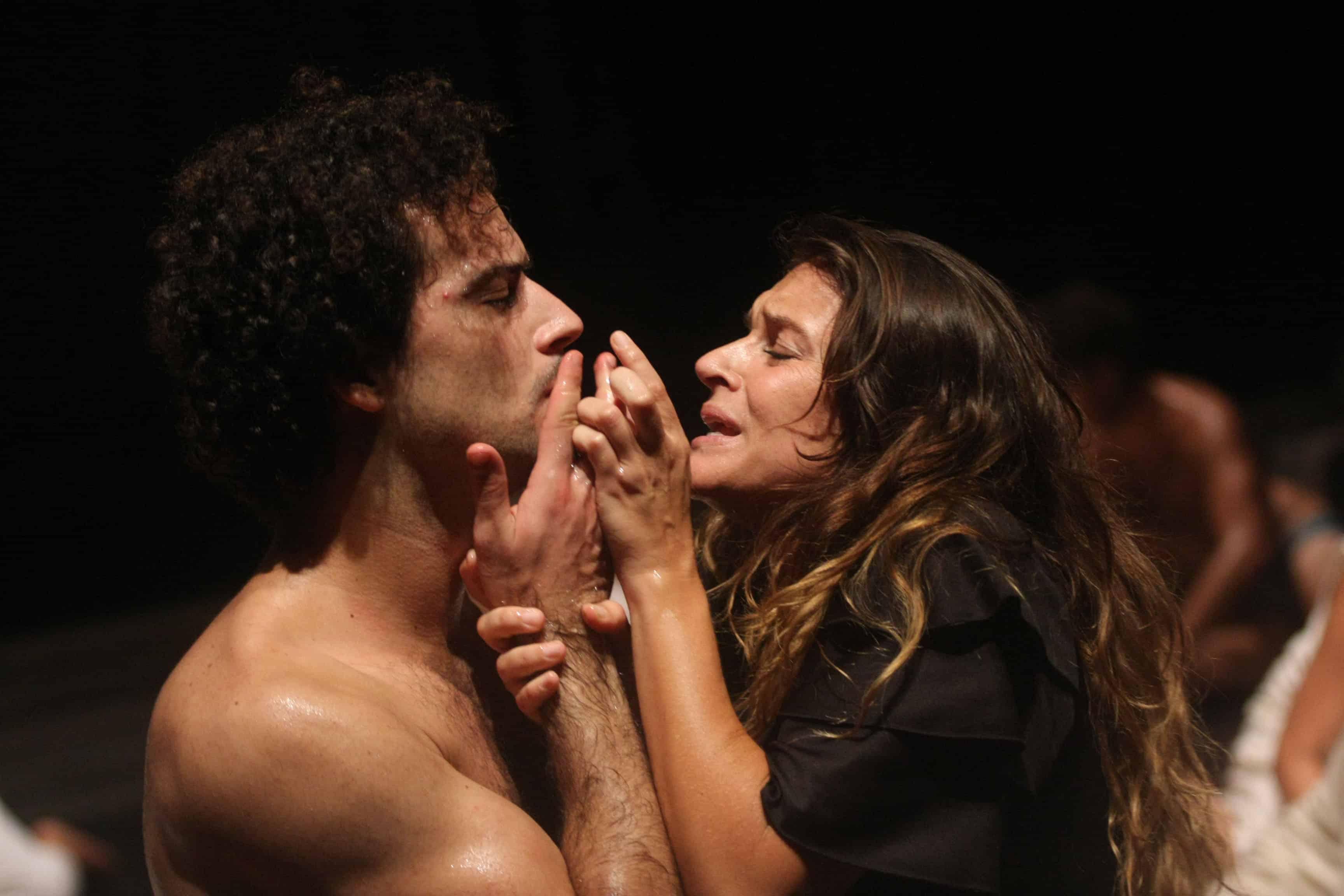 Odissea a/r di Emma Dante al Teatro Bellini