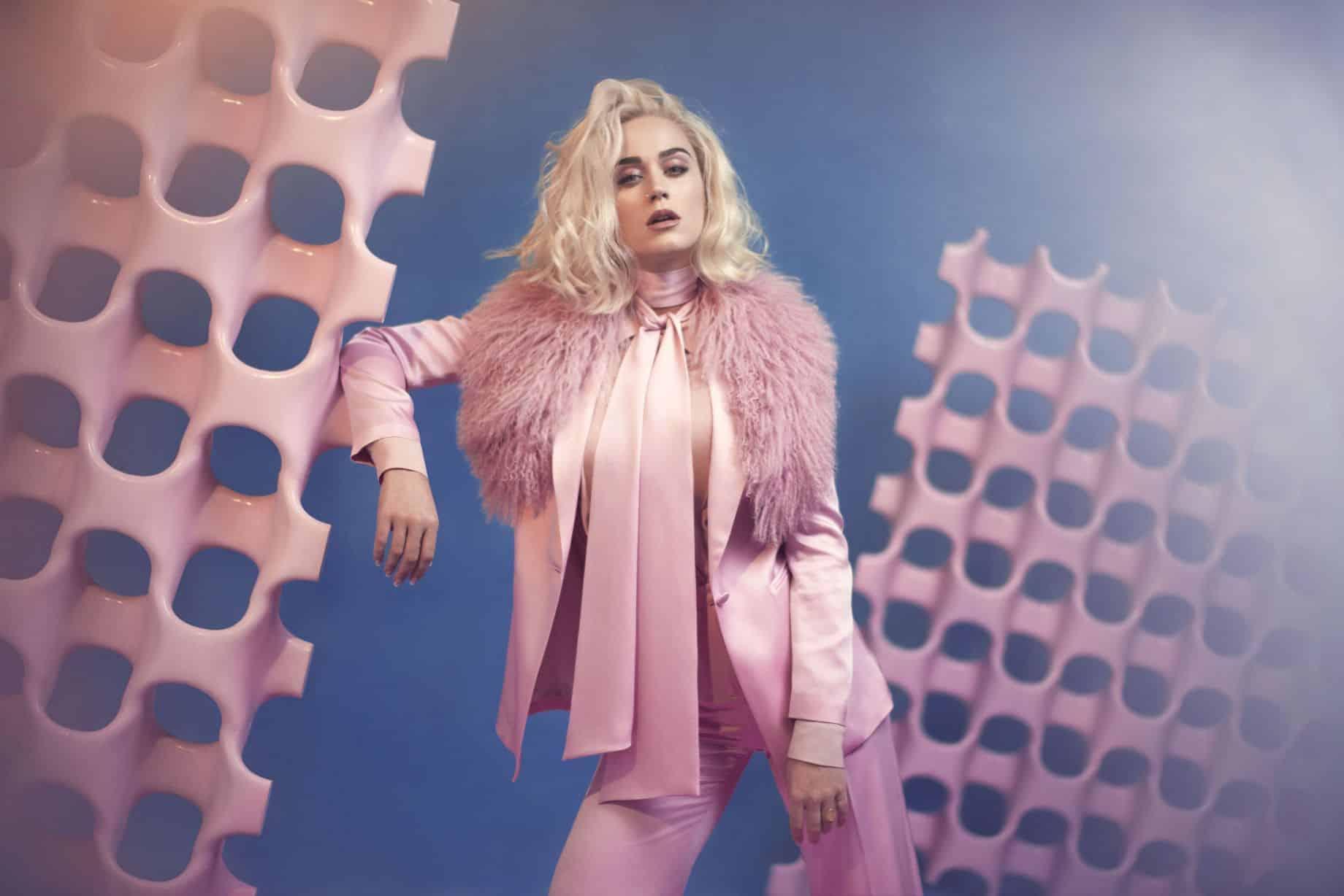Katy Perry torna con un nuovo singolo:  grande attesa per la sua performance ai Grammy Awards