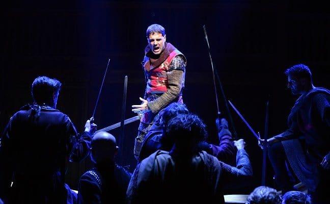 Ispirato Daniele Pecci nell'Enrico V, in scena al Silvano Toti Globe Theatre