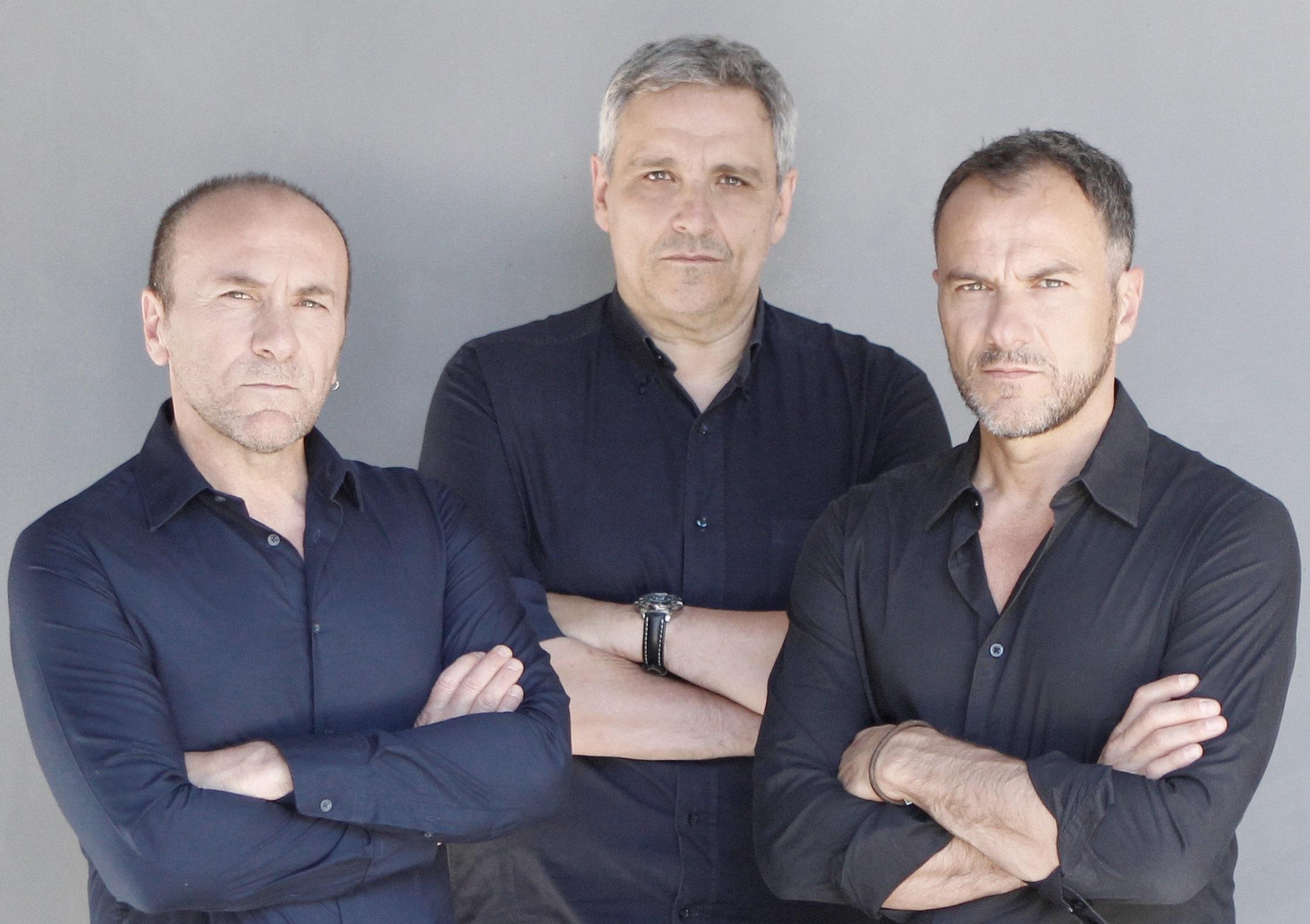 """I fratelli Gallo con Maurizio De Giovanni in scena con """"I sette vizi napoletani"""""""
