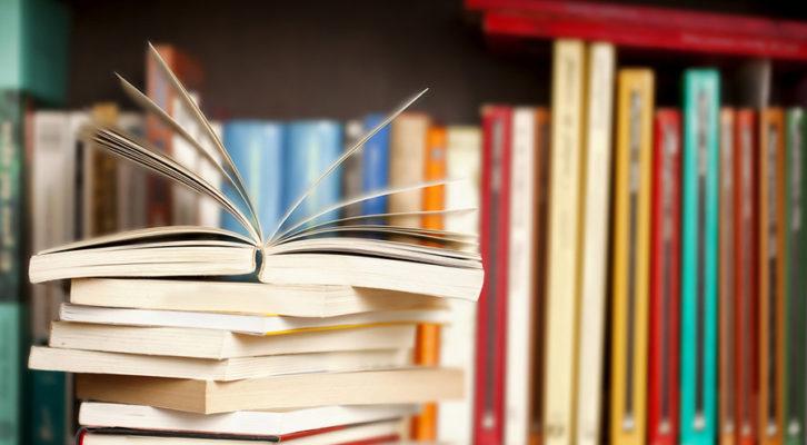 Napoli: donati 500 libri ai passanti messi a disposizione da Mondolibri