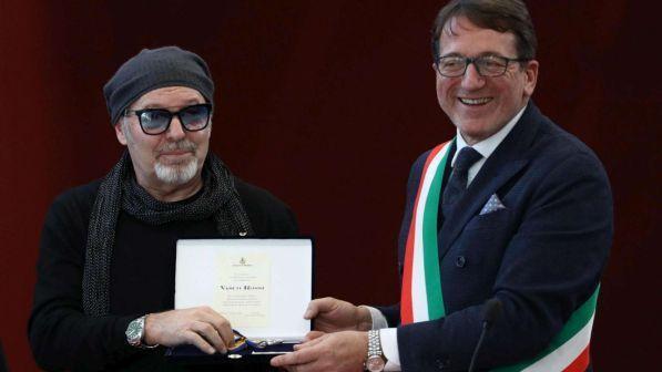 Vasco Rossi riceve a Modena le chiavi della città e la cittadinanza onoraria