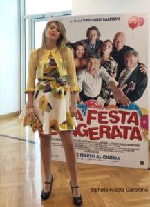 """Mirea Flavia Stellato, da giornalista a protagonista di """"Una festa esagerata"""" di Salemme (Mirea Flavia Stellato 217x300)"""