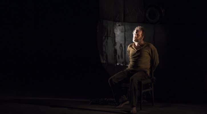 Al Teatro Mercadante Luca Lazzareschi è Prometeo di Eschilo