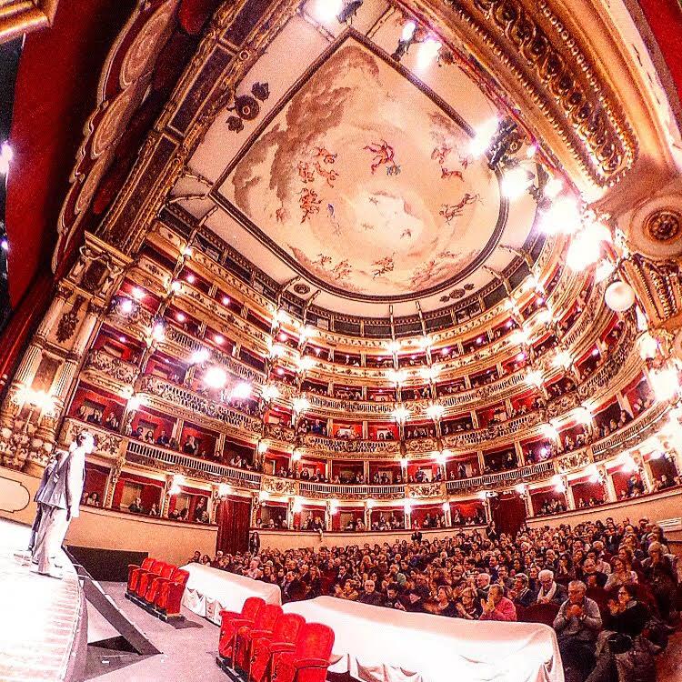 """I """"Mille volti"""" del teatro Bellini"""
