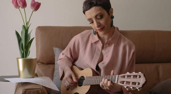 Il canto dell'ape, il nuovo album di Rita Zingariello