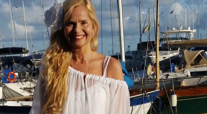 Grecia Colmenares si racconta in Lacrime e sorrisi. Al via il tour promozionale