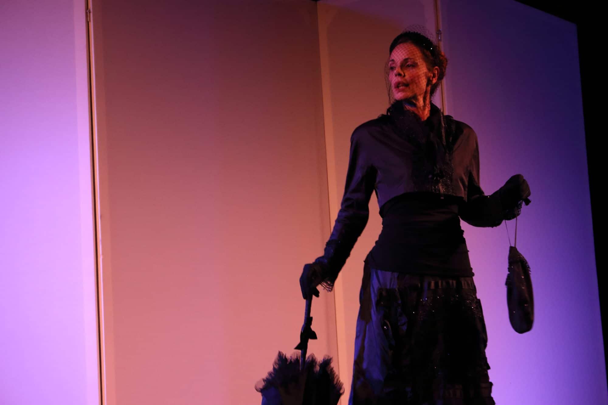 Tiziana Sensi ne La parrucchiera dell'imperatrice al Marconi Teatro Festival