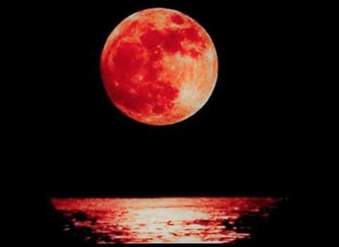 Appuntamento con la luna rossa più bella degli ultimi cento anni