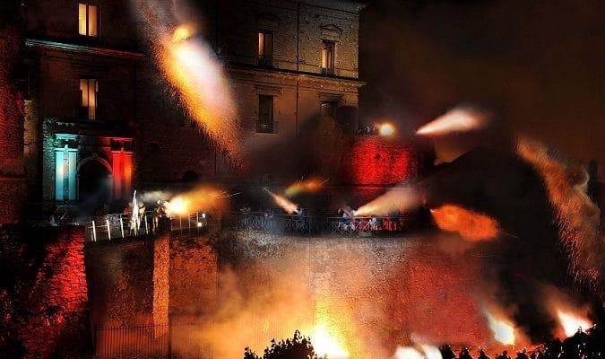 """Il borgo di Teggiano ospita la rassegna """"Assalto al Castello"""""""
