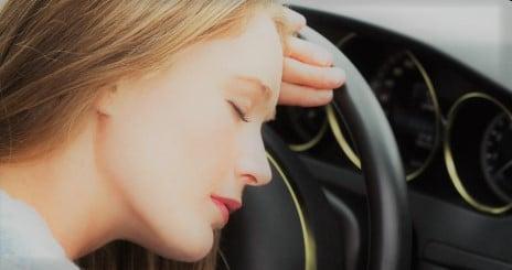 Rientrare a casa dopo le vacanza: ecco come combattere il colpo di sonno in auto