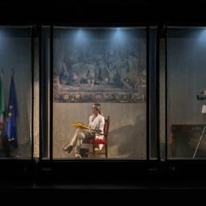 """Al Teatro Cilea si ride di gusto con """"Fatti Unici – Polvere eri e polvere diventerai"""""""