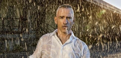 """Eros Ramazzotti: il nuovo album """"Vita ce n'è"""" dedicato a Pino Daniele"""
