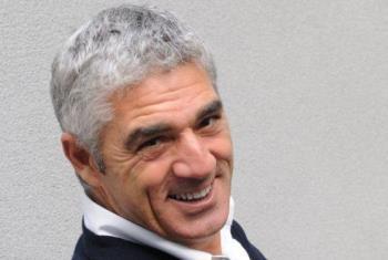 """Biagio Izzo: """"I fiori del latte"""", comicità e denuncia sociale a teatro"""