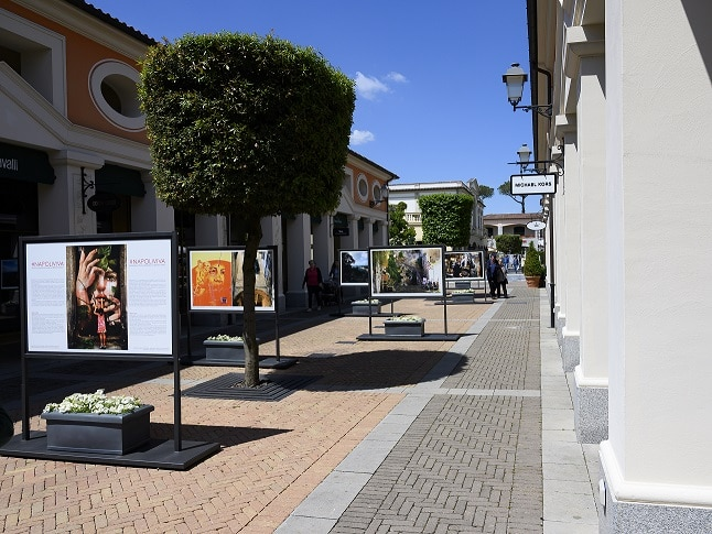 NapoliViva,  la mostra fotografica del fotoreporter Sergio Siano a La Reggia Designer Outlet
